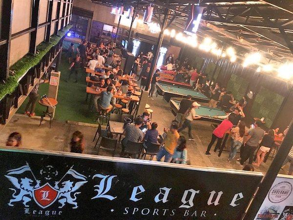 league sports bar